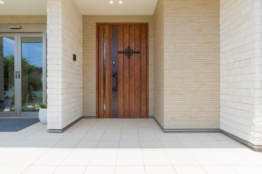 ポーチ おしゃれ 玄関 玄関を明るく照らすおすすめのポーチライト13選 パナソニックやオーデリックのおしゃれな照明も紹介